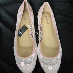 Sheer Pink Floral Almond Toe Flats Size 1 Torrid